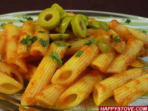 Penne Pasta with Tomato, Green Olives and Anchovies - By happystove.com