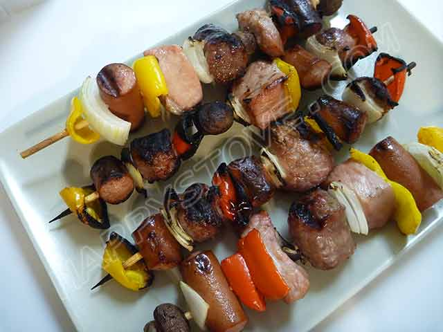 Italian Style Grilled Meat and Veggie Spiedini Skewers - By happystove.com