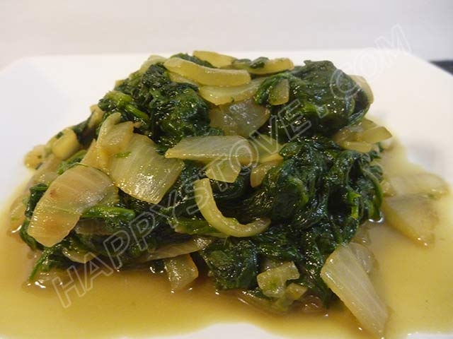 Stir Fried Baby Spinach with Onions - By happystove.com