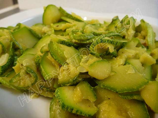 Stir Fry Zucchini - By happystove.com